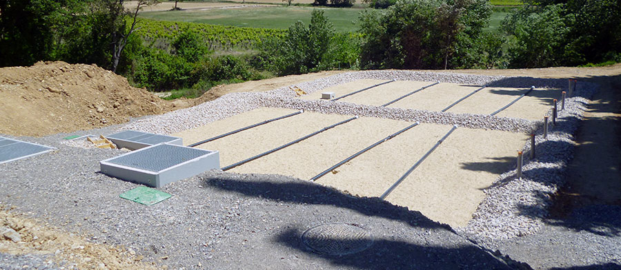 Station d'épuration par lagunage, bassins d'évaporation, filtre à roseaux
